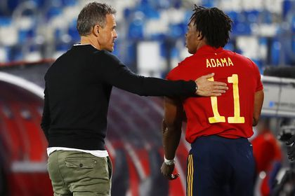 Soccer Football - UEFA Nations League - League A - Group 4 - Spain v Switzerland - Estadio Alfredo Di Stefano, Madrid, Spain - October 10, 2020 Spain's Adama Traore with coach Luis Enrique REUTERS/Juan Medina