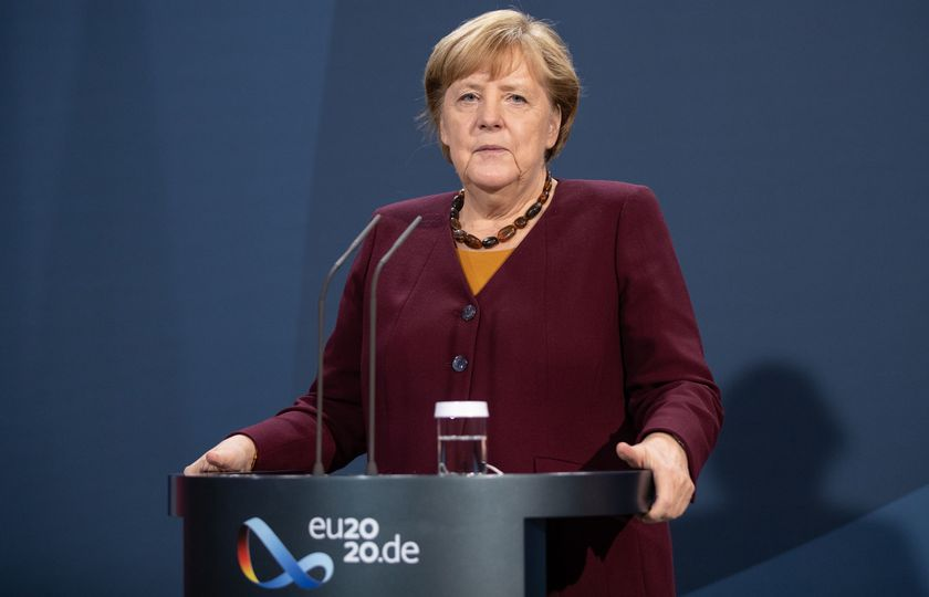 Berlin (Germany).- German Chancellor Angela Merkel gives a press statement after an EU Summit video conference, in Berlin, Germany, 19 November 2020. (Alemania) EFE/EPA/ANDREAS GORA / POOL
