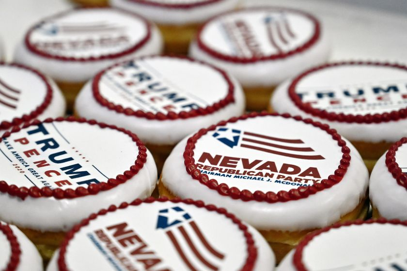 Las Vegas (United States), 03/11/2020.- Donuts featuring the Nevada Republican Party, President Donald Trump and Vice President Mike Pence are displayed during a Republican watch party at the South Point Hotel & Casino in Las Vegas, Nevada, USA, 03 November 2020. Americans vote on Election Day to choose between re-electing Donald J. Trump or electing Joe Biden as the 46th President of the United States to serve from 2021 through 2024. (Estados Unidos) EFE/EPA/DAVID BECKER
