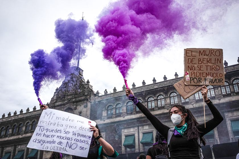 08 March 2021, Mexico, Mexico City: Women hold placards during a protest against violence towards women on International Women's Day and demand justice for unresolved femicides. Photo: Jacky Muniello /dpa 08/03/2021 ONLY FOR USE IN SPAIN