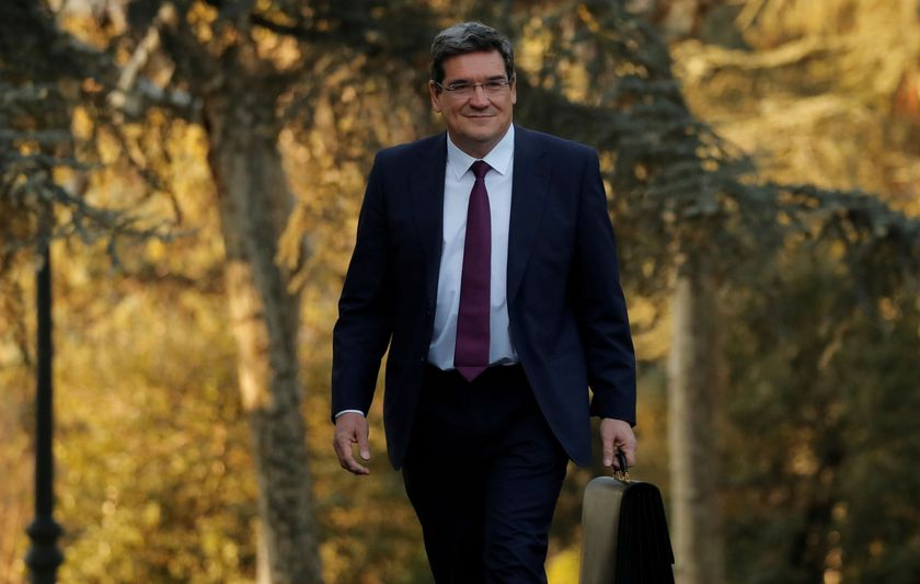 FILE PHOTO: Spain's Prime Minister Pedro Sanchez holds his first cabinet meeting in Madrid