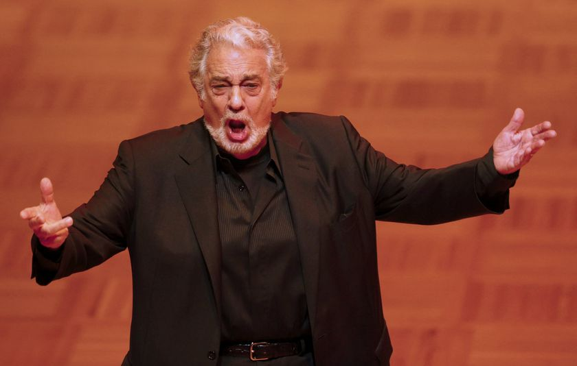 FILE PHOTO: Opera singer Domingo performs during a dress rehearsal the day before the traditional Opera Ball in Vienna