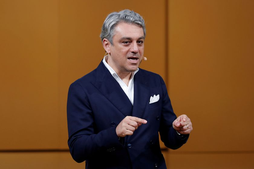 FILE PHOTO: Luca de Meo, Chief Executive Officer of Groupe Renault, speaks during a news conference about Renault electric strategy during Renault eWays event in Meudon, France, October 15, 2020. REUTERS/Benoit Tessier/File Photo