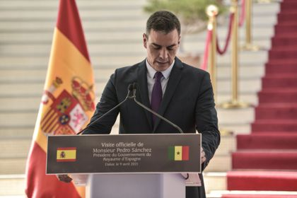 Spanish Prime Minister Pedro Sanchez speaks  during a news conference  after his meeting with Senegal's President Macky Sall  at the presidency palace in Dakar, Senegal April 9, 2021. Seyllou/Pool via REUTERS