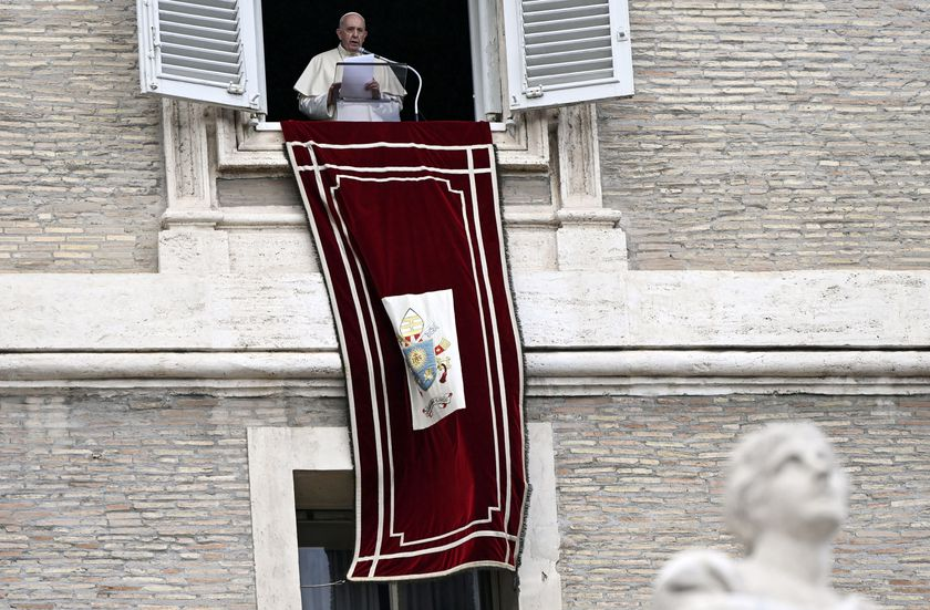 Vatican City (Vatican City State (holy See)), 04/10/2020.- Pope Francis leads his Sunday Angelus prayer from the window of his office overlooking Saint Peter's Square, Vatican City, Italy, 04 October 2020. (Papa, Italia) EFE/EPA/Riccardo Antimiani