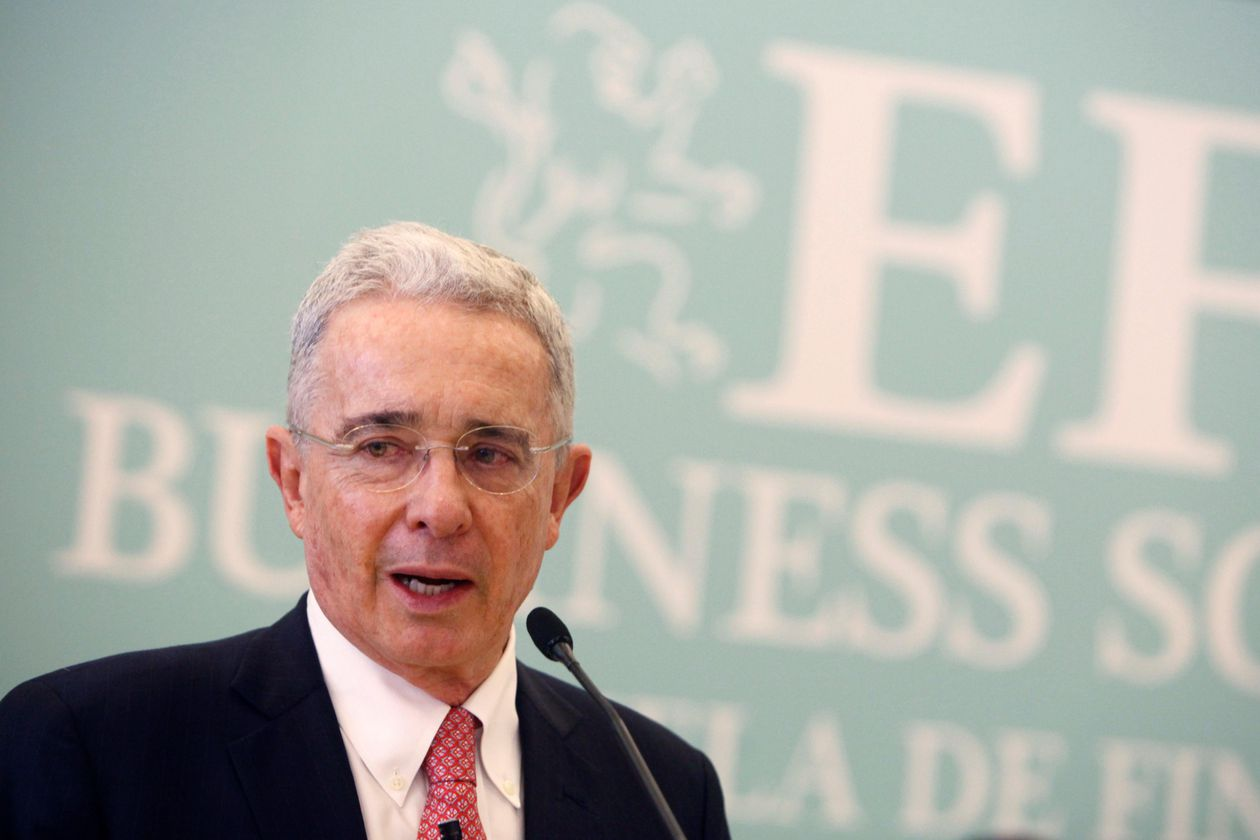 Colombia: Hearing suspended in Álvaro Uribe's case