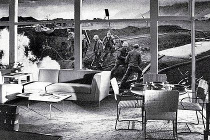 Martha Rosler mezcló los crímenes de la Guerra de Vietnam con una opulenta residencia de verano en «Vacation Getaway, From Bringing the War Home: House Beautiful»