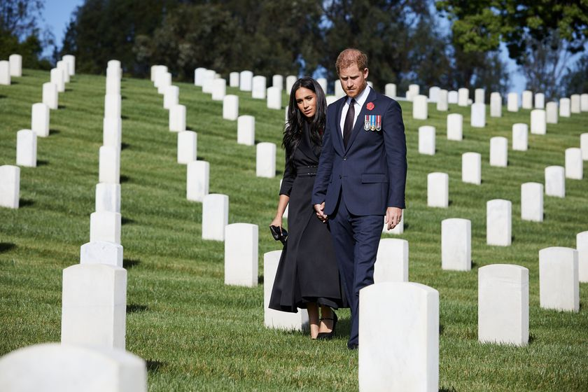 Britain's Prince Harry and Meghan, Duchess of Sussex visit the Los Angeles National Cemetery in honour of Remembrance Sunday, in Los Angeles, California, U.S., November 8, 2020.  LEE MORGAN/Handout via REUTERS THIS IMAGE HAS BEEN SUPPLIED BY A THIRD PARTY. MANDATORY CREDIT. NO RESALES. NO ARCHIVES.