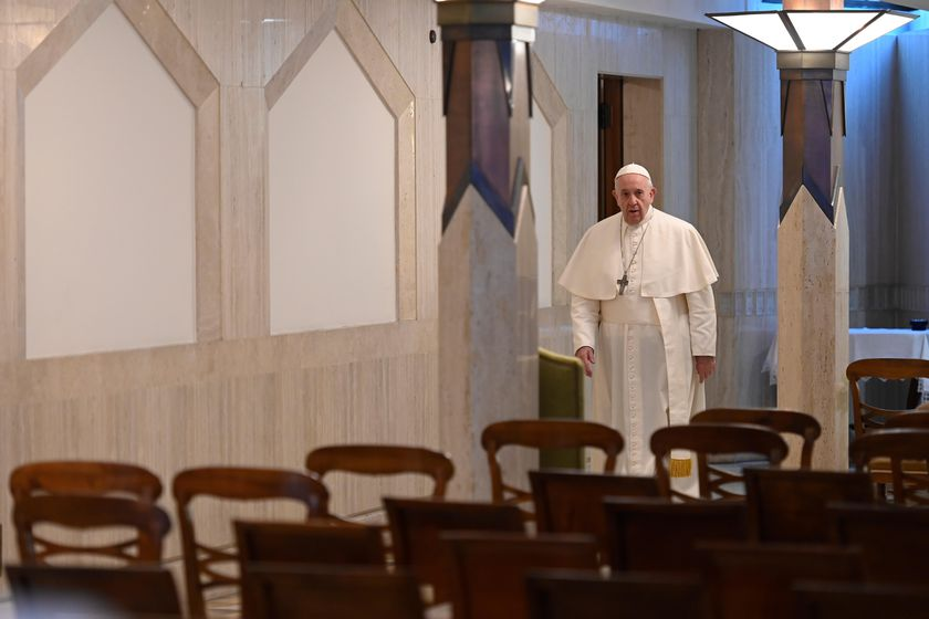 Pope Francis leads mass alone