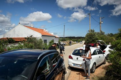 Portuguese investigators question possible witnesses in Madeleine McCann's 2007 disappearance