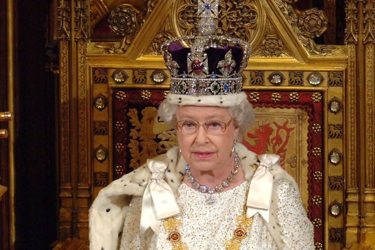 The miserable salary offered by Queen Elizabeth II to the service of Buckingham Palace