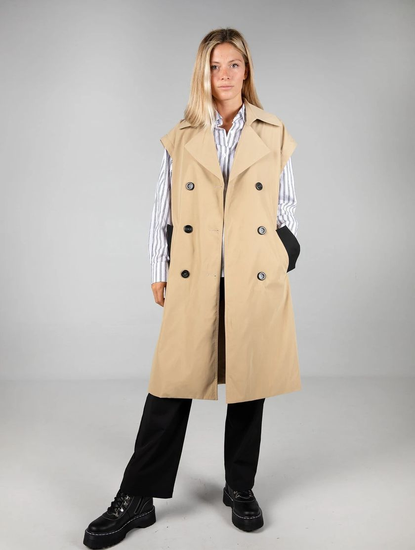 Chaleco/ trench.