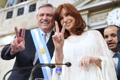 Argentina's new government to seek debt restructuring