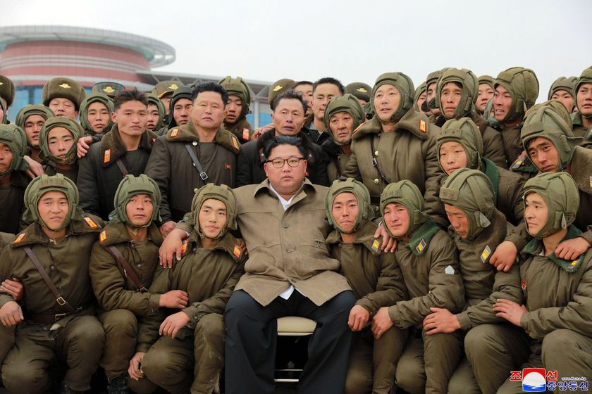 North Korean leader inspects air force training