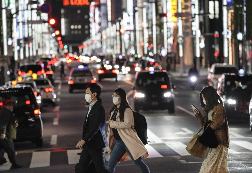 Ginza night life spots are almost empty due to warning to stay away gathering placces
