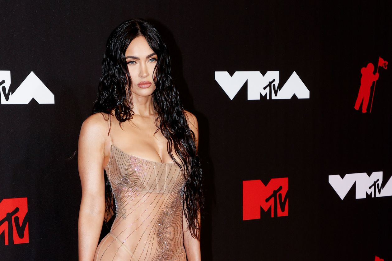 The transparent dress with which Megan Fox set fire to the 'photocall' of the MTV awards