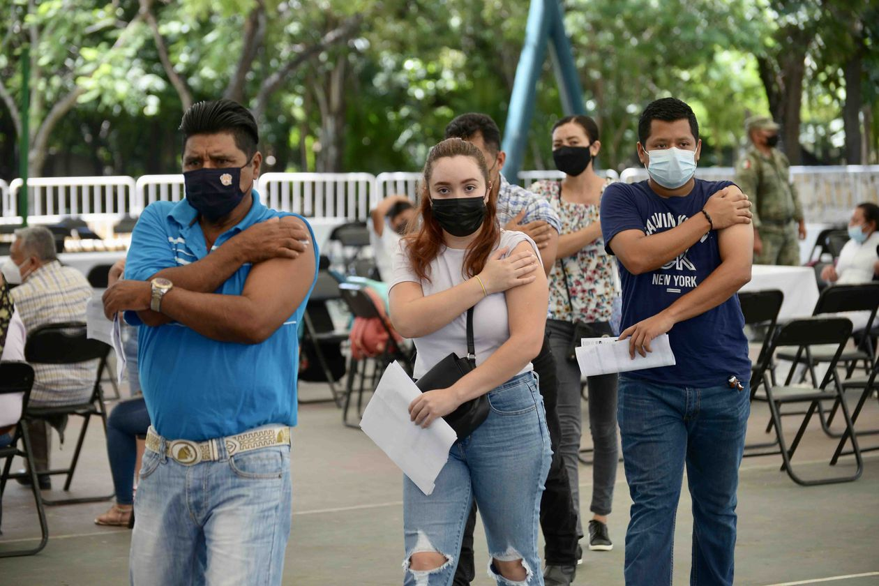 Mexico: Young people return to parties, although some get vaccinated