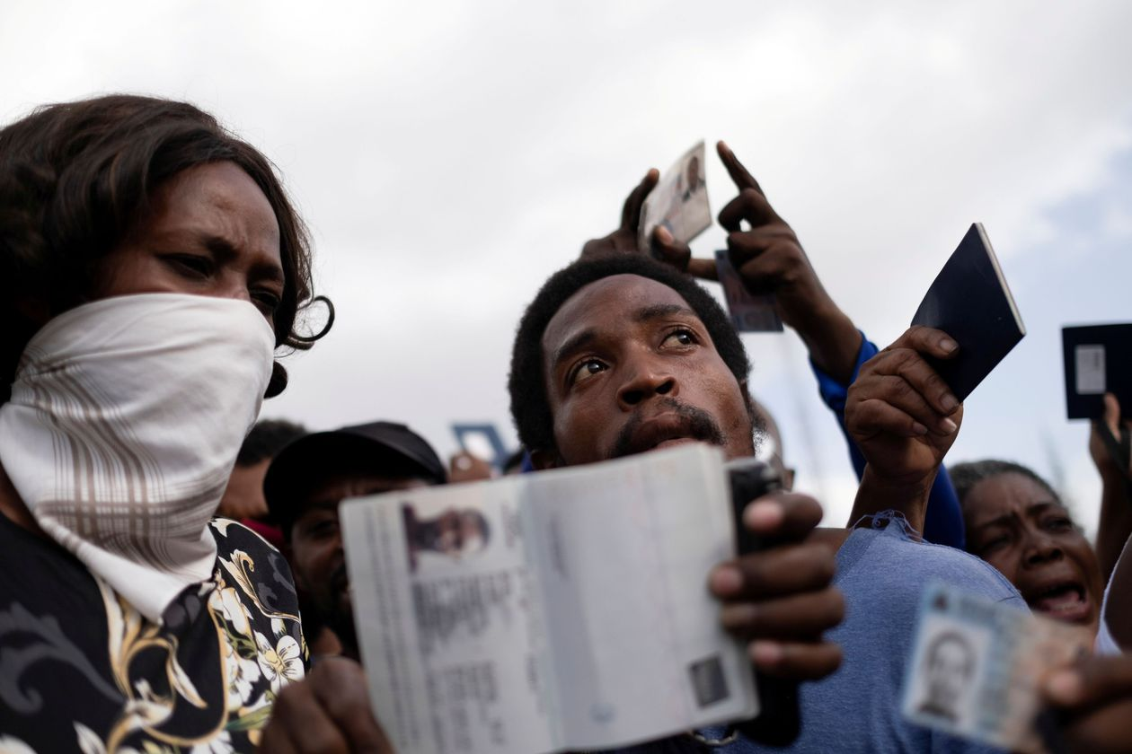 Haiti's interim government requests troops from the US and the UN