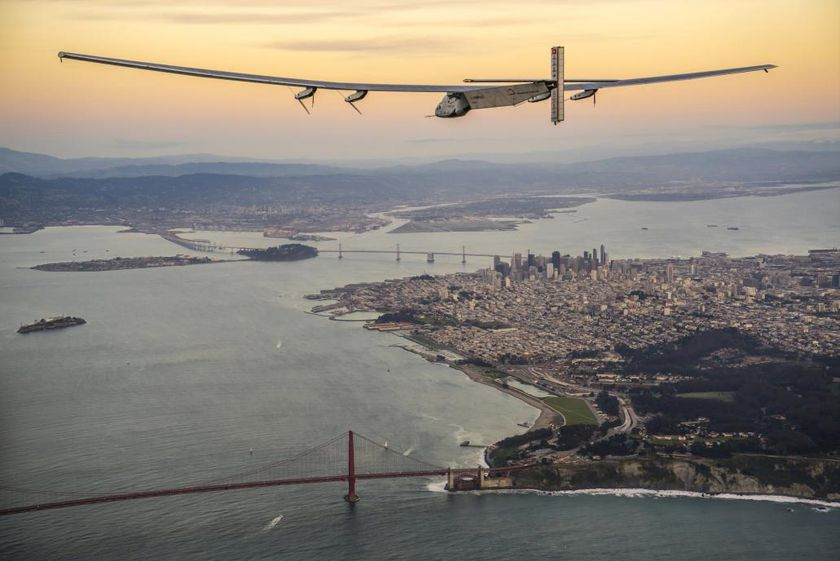 Solar Impulse 2 sobrevuela San Francisco