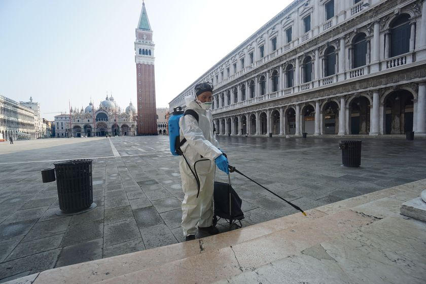 Venice to shut down garbage collection centers due to coronavirus