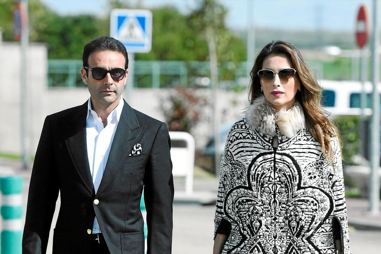 Enrique Ponce and Paloma Cuevas finally sign their divorce