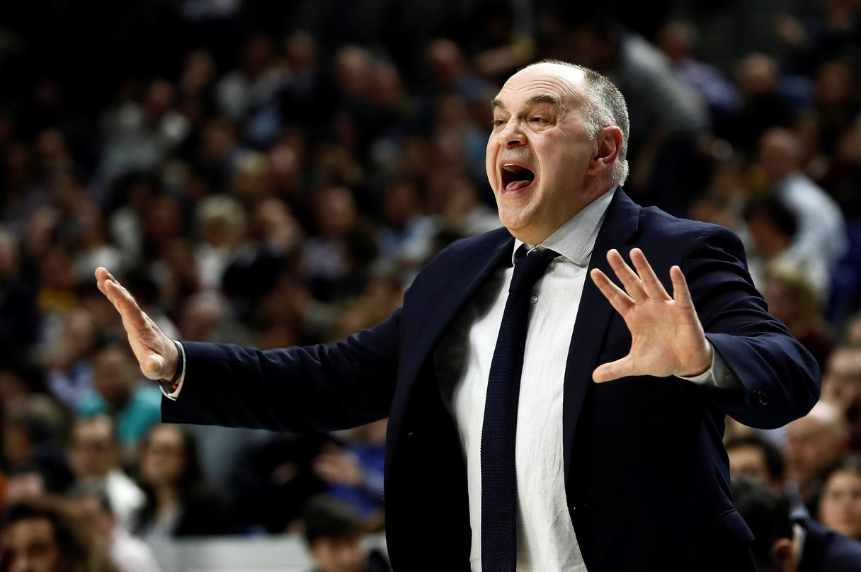 The beautiful wink of Pablo Laso to Sergio Llull after his bad performance in Real Madrid-Baskonia of Euroleague | Spain's News