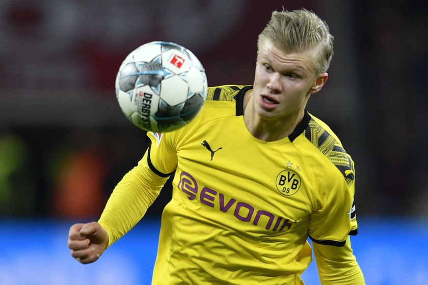 Dortmund's Erling Braut Haaland controls the ball during the German Bundesliga soccer match between Bayer Leverkusen and Borussia Dortmund in Leverkusen, Germany, Saturday, Feb. 8, 2020. (AP Photo/Martin Meissner)