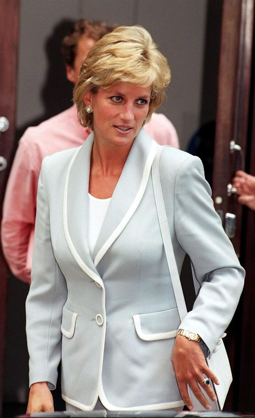 epa000367150 (FILE) A file photo dated 28 August 1996 of Diana, Princess of Wales, wearing her diamond and sapphire engagement ring and wedding ring, as she leaves the studios of the English National Ballet. The Prince of Wales and Camilla Parker Bowles are to finally marry, ending years of speculation over their relationship. At last, Charles's long-time companion is to become a member of the royal family, known as Her Royal Highness, but not Queen Camilla. Following the historic nuptials in a civil ceremony at Windsor Castle, she will become the Duchess of Cornwall. EFE/epa/PA UK AND IRELAND OUT