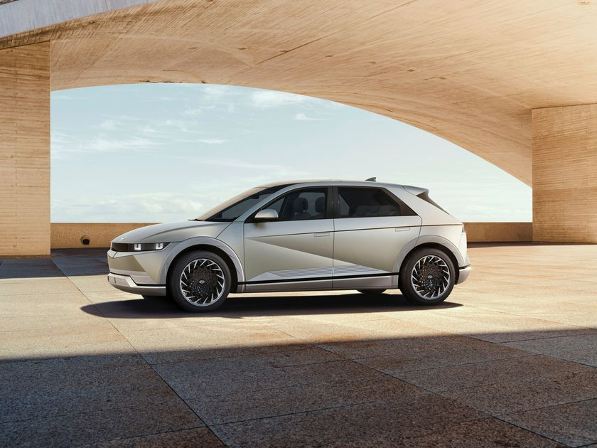 A Hyundai Motor Ioniq 5 electric vehicle is pictured in this undated handout image.   Hyundai Motor Company/Handout via REUTERS    ATTENTION EDITORS - THIS IMAGE HAS BEEN SUPPLIED BY A THIRD PARTY. NO RESALES. NO ARCHIVES