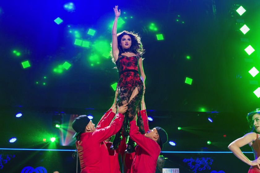 Selena Gomez, deslumbrante en el Jingle Ball