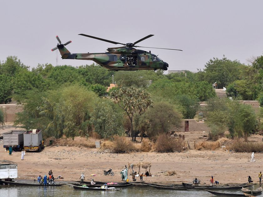 French soldiers die in helicopter crash