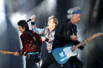 New Rolling Stones single hits top of charts
