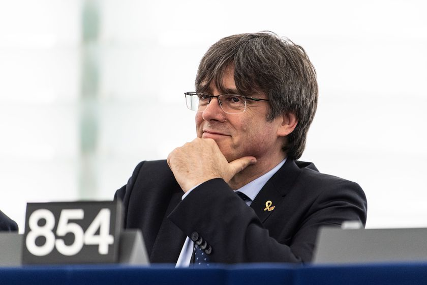 Strasbourg (France), 13/01/2020.- Former member of the Catalan government Carles Puigdemont waits for their first plenary session as member of the European Parliament in Strasbourg, France, 13 January 2020. (Francia, España, Estrasburgo) EFE/EPA/PATRICK SEEGER