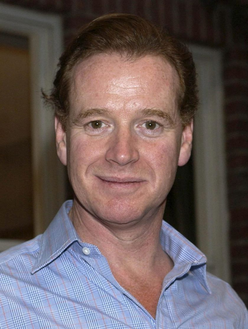 epa000237339 (FILES) File picture dated 05/03/2004 of James Hewitt, former lover of Diana, Princess of Wales, who has been arrested on suspicion of being in possession of a Class A drug, police sources said Thursday July 22, 2004. Hewitt, 46 was held at a bar in Fulham Road, south west London, last night. EFE/epa/YUI MOK UK AND IRELAND OUT