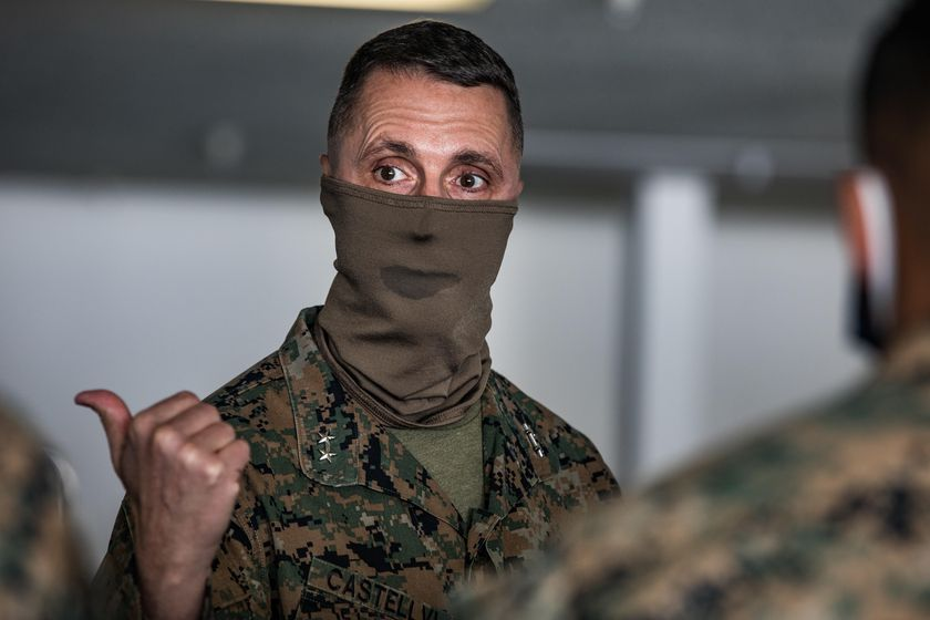 1st Marine Division leaders visit USNS Mercy in Los Angeles, California